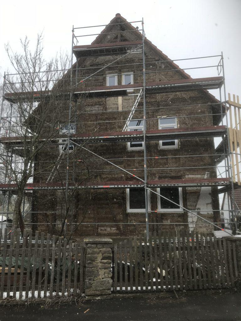 Fassade für Dämmung vorbereiten